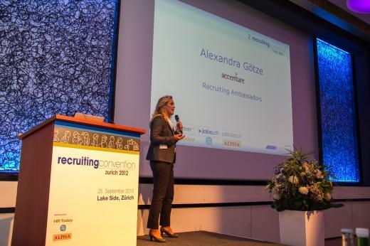 Alexandra-Goetze-accenture-recruiting-convention-ambassador