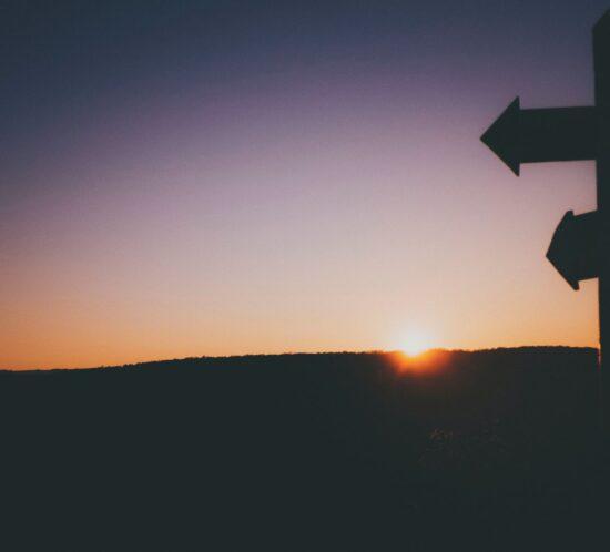 Wegweiser, die den Weg des HR der Zukunft zeigen